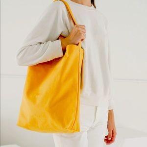 BAGGU Duck Bag in Yellow